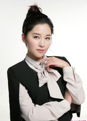 阚清子纯美动人尽显性感优雅写真