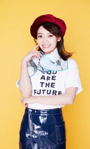 林源清新甜美时尚写真图片