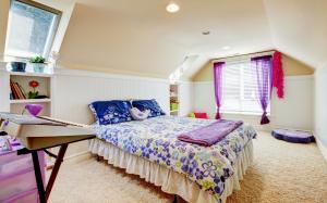 豪华卧室双人床图片