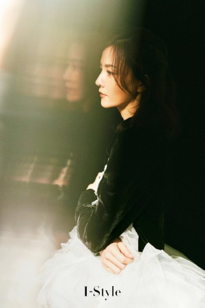 刘孜复古魅力气质写真图片