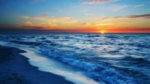 蔚蓝广阔海洋风光美景桌面壁纸