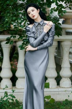 范冰冰银光丝绸长裙优雅写真图片