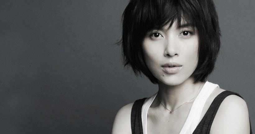 美女演员李佳写真