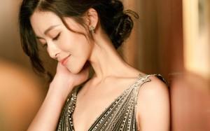 文咏珊时尚知性优雅礼服性感迷人写真