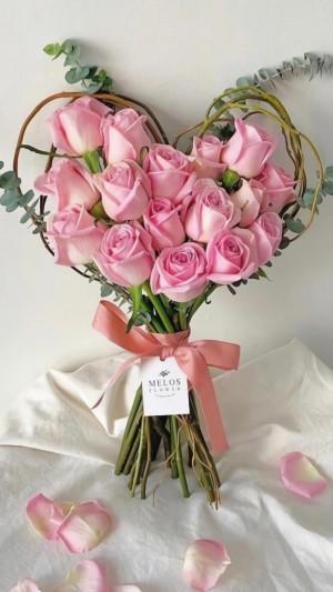 浪漫心形唯美艳丽玫瑰花写真