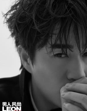 杨玏慵懒帅气杂志写真图片