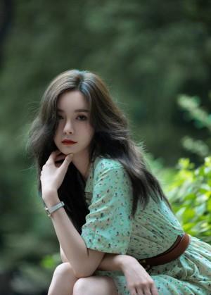 沈梦辰夏日明媚又温柔的少女风情写真图片