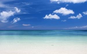 夏天的冲绳蓝