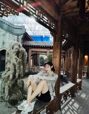 蓋玥希時尚甜酷寫真圖片