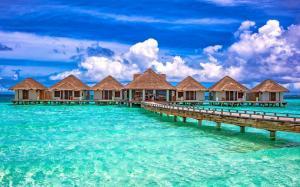 马尔代夫蓝色海岛风景壁纸