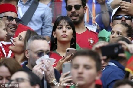 C罗女友乔治娜,惊艳亮相世界杯观看比赛