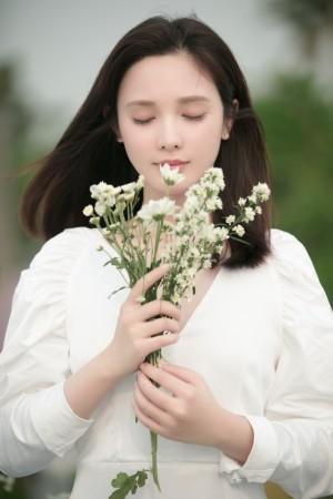 彭小苒清新温柔写真图片