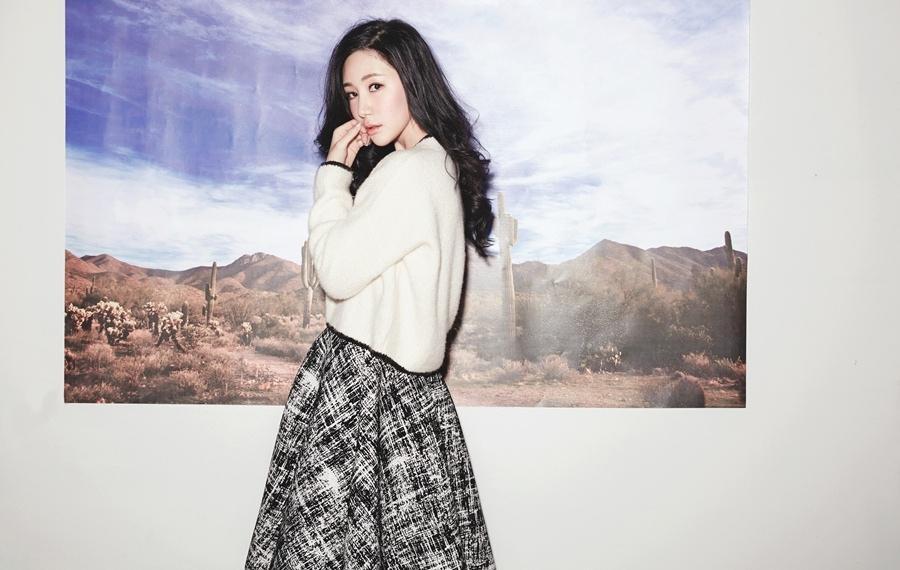 刘梓妍妆容恬静似邻家妹妹写真