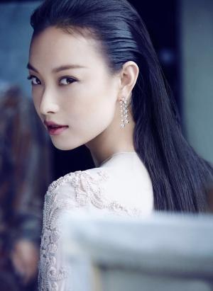 倪妮时尚精致妆容写真图片