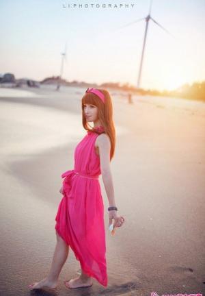 海风抚慰的婉约少女写真