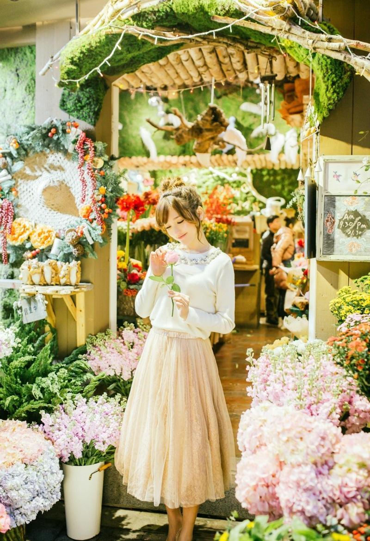 金莎似花仙子花丛唯美时尚写真照