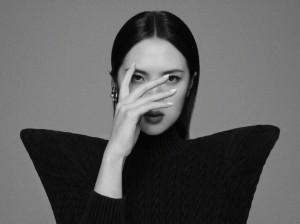 姚安娜时尚黑白写真