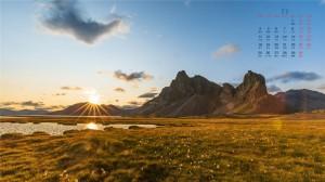 2019年11月阳光明媚的冰岛高清日历桌面壁纸
