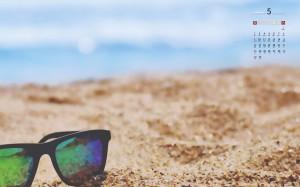 2021年5月迷人的海边沙滩风景日历壁纸图片