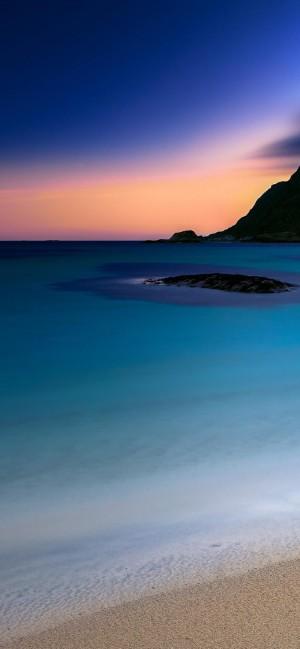 碧蓝色大海美景高清手机壁纸