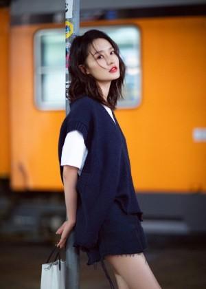 性感女神李沁妩媚优雅写真