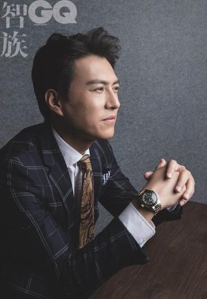 靳东男神风范杂志封面写真