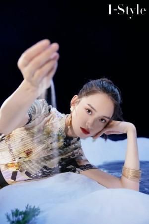 蒋哲茜文艺气质时尚写真图片
