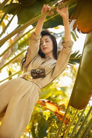 朱颜曼滋工装服时尚率性写真图片